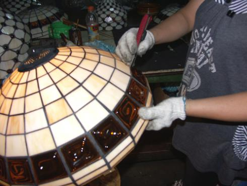 lampy witrażowe - kontrola jakości